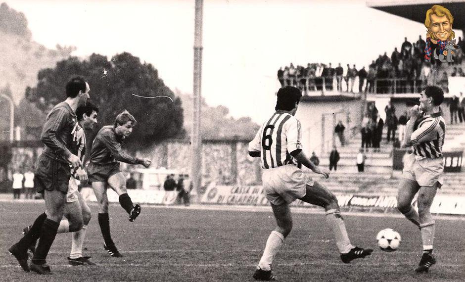 32-azione-1986-87-cosenza-benevento-2-1-goal-a-4-minuti-dalla-fine-copia