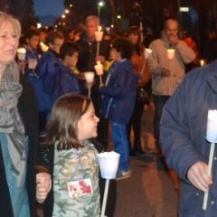 """Galleria fotografica: """"Luci a San Vito"""": fiaccolata per Denis – 16/11/13"""