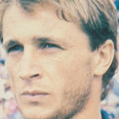 Bergamini, l'esito shock della superperizia: il calciatore del Cosenza è morto per soffocamento.